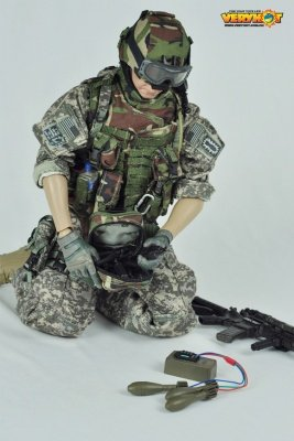 Action Figure US ARMY EOD Iraqi Freedom 1:6